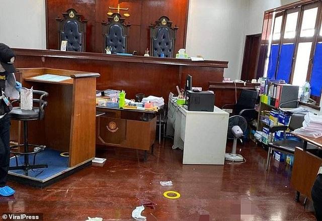 Chấn động vụ tướng Thái Lan bắn chết nguyên đơn và luật sư ngay tại tòa án - 1