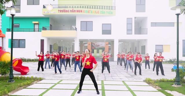 """Ấn tượng clip 40 cô giáo mầm non nhảy bài """"Việt Nam ơi"""" - 3"""
