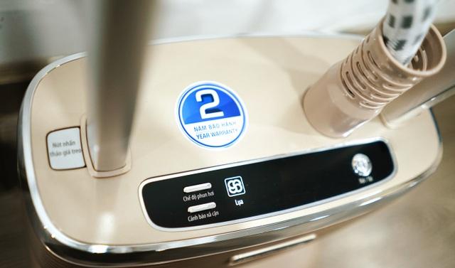 BlueStone GSB-3951 bàn ủi hơi nước đứng với 5 chế độ phun hơi khác nhau - 1