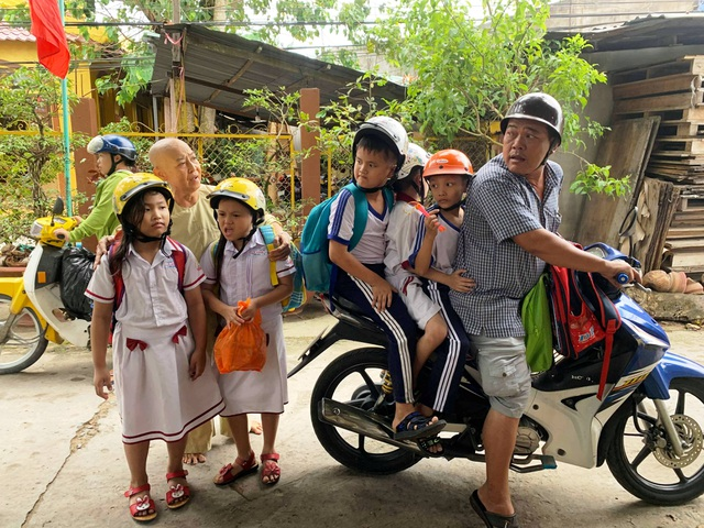 Những đứa trẻ bị bỏ rơi từng gặp Chủ tịch UBMTTQ Việt Nam, giờ đã không còn côi cút - 7