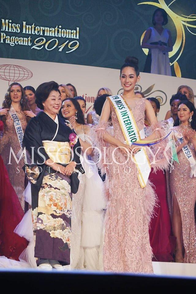 Hoa hậu Quốc tế 2019: Tường San lọt top 8, người đẹp Thái Lan giành vương miện - 7