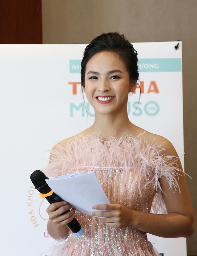 Á khôi Sinh viên Việt Nam trở thành MC thời sự, thần tượng Á hậu Thuỵ Vân - 10