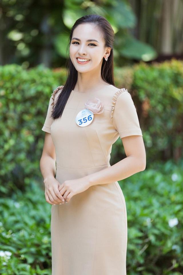 Á khôi Sinh viên Việt Nam trở thành MC thời sự, thần tượng Á hậu Thuỵ Vân - 1