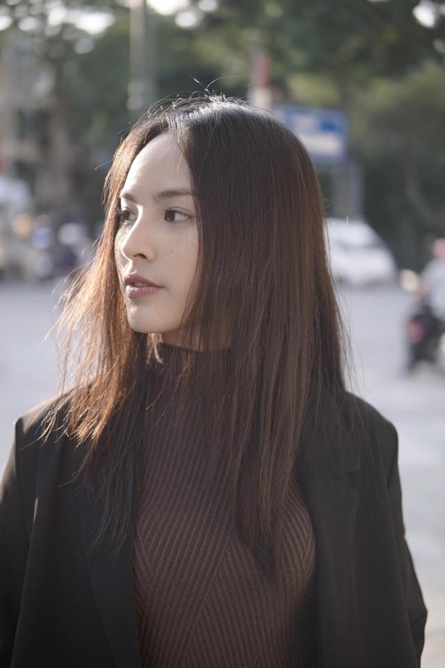 Á khôi Sinh viên Việt Nam trở thành MC thời sự, thần tượng Á hậu Thuỵ Vân - 2