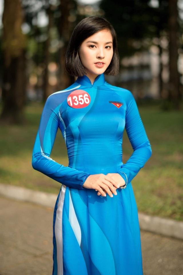 Á khôi Sinh viên Việt Nam trở thành MC thời sự, thần tượng Á hậu Thuỵ Vân - 7