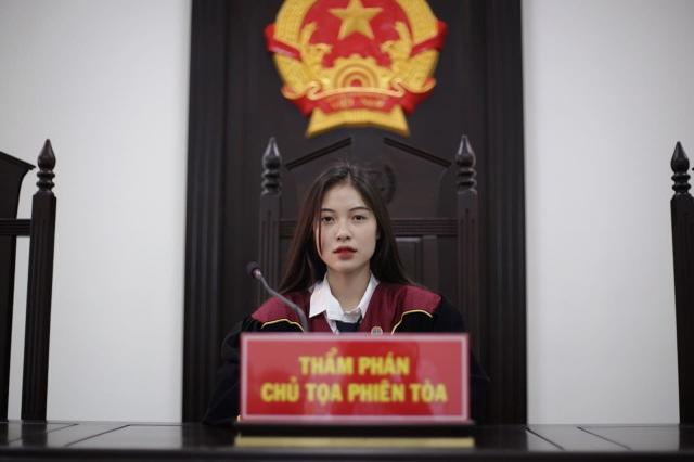 Nữ sinh Học viện Tòa án được truyền thông Trung Quốc ca ngợi hết lời - 2
