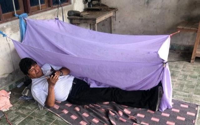 Cựu Tổng thống Bolivia phải ngủ dưới sàn đất trước khi sang Mexico tị nạn - 1