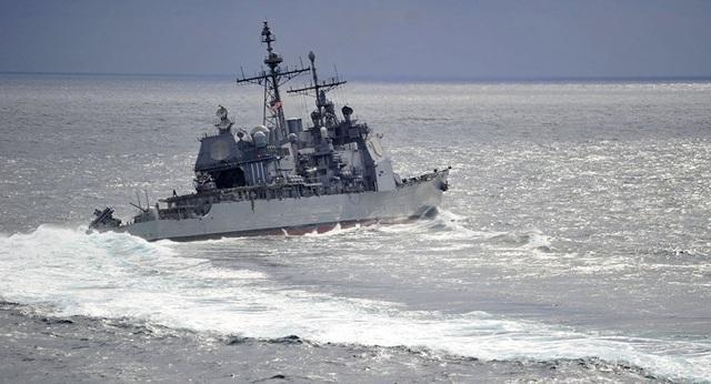 Mỹ điều tàu chiến mang tên lửa dẫn đường đi qua eo biển Đài Loan - 1