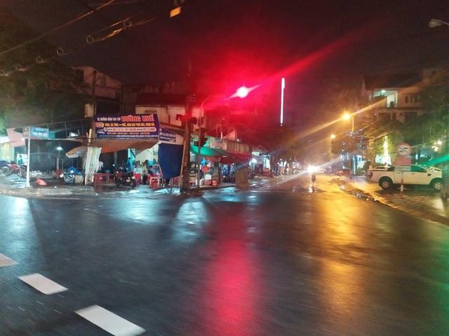 Khắc phục loạt đèn giao thông ngủ quên ở Hà Tĩnh - 4