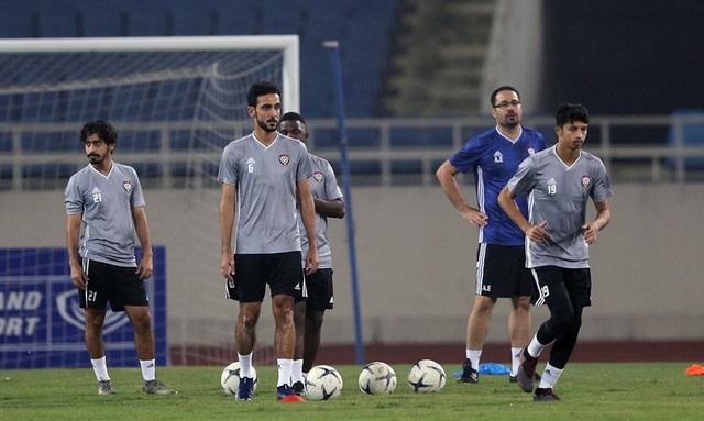 Đội tuyển UAE làm quen thời tiết Hà Nội và mặt sân Mỹ Đình - 6