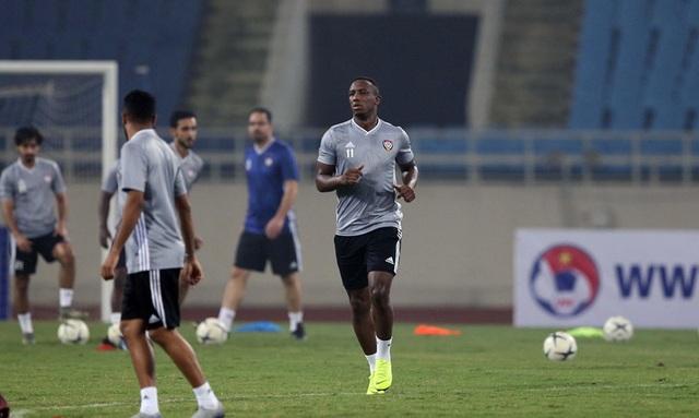 Đội tuyển UAE làm quen thời tiết Hà Nội và mặt sân Mỹ Đình - 8