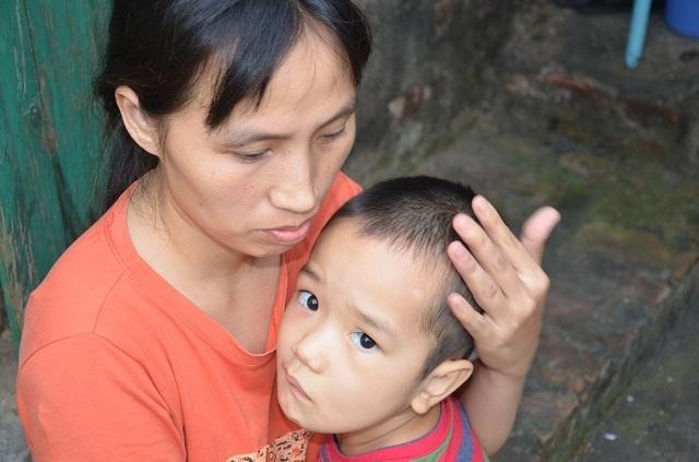 Xót xa cậu bé có tuổi thơ gắn liền với bệnh viện: Các bác ơi! cứu con cháu với - 8