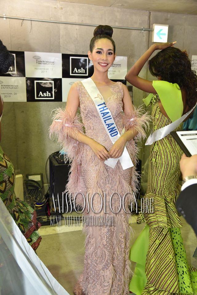 Trước khi sở hữu nhan sắc hoàn mỹ, tân hoa hậu quốc tế từng phải niềng răng - 16