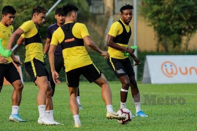 Ngôi sao nhập tịch của Malaysia tuyên bố sẽ đánh bại Thái Lan - 1
