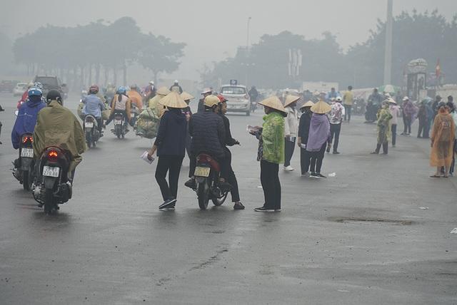 """Vé chợ đen trận Việt Nam - UAE: Phe vé """"hét giá"""" gần 4 triệu đồng/cặp vị trí đẹp - 6"""
