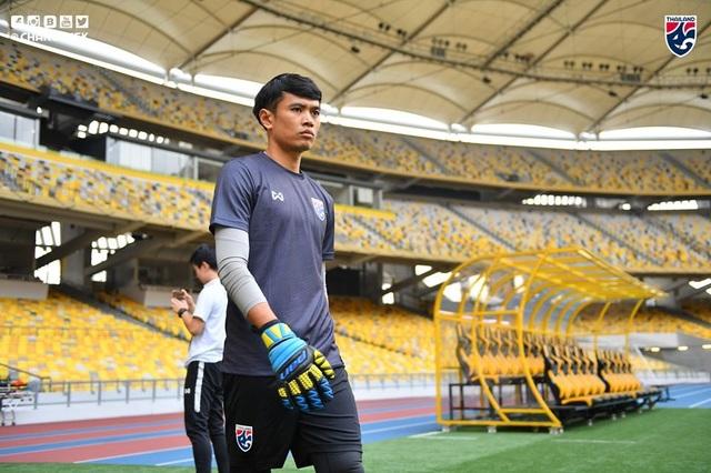 """Cầu thủ Thái Lan """"tươi rói"""" trên sân tập trước đại chiến với Malaysia - 4"""