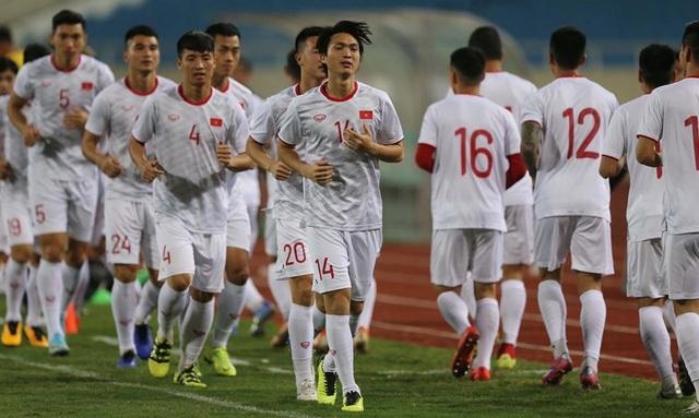 Chờ đấu UAE ở Mỹ Đình, đội tuyển Việt Nam đón tin vui không ngờ - 2