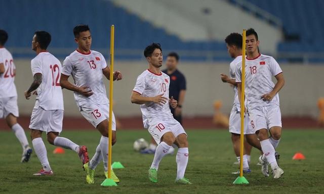 Chờ đấu UAE ở Mỹ Đình, đội tuyển Việt Nam đón tin vui không ngờ - 8
