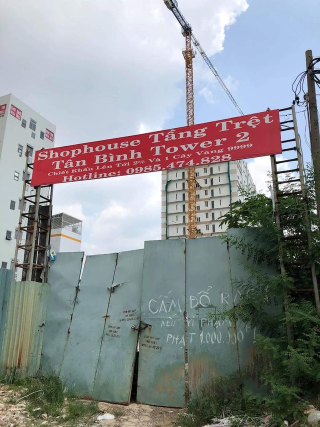 """Dự án Tân Bình Apartment vẫn chưa """"gọt"""" tầng xây dựng sai phép - 1"""