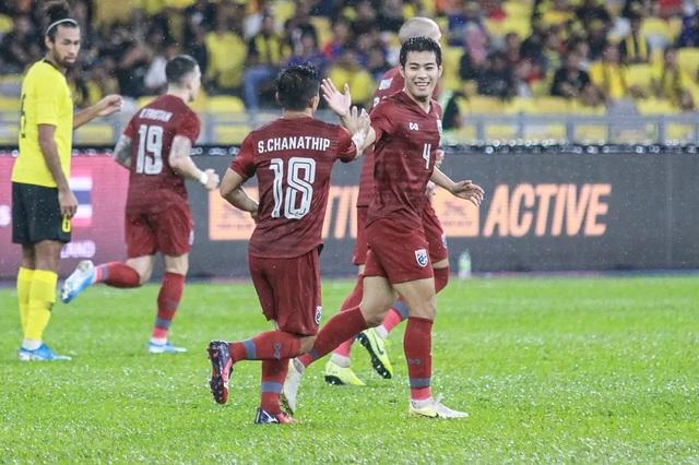 Malaysia 2-1 Thái Lan: Màn lội ngược dòng ngoạn mục - 16