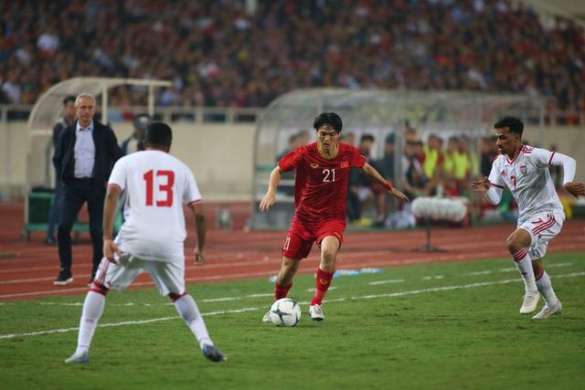 Việt Nam 1-0 UAE: Tiến Linh ghi bàn đẳng cấp - 23