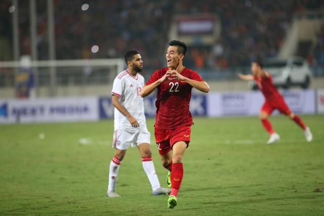Việt Nam 1-0 UAE: Tiến Linh ghi bàn đẳng cấp - 12