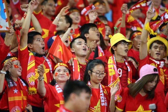 Việt Nam 1-0 UAE: Tiến Linh ghi bàn đẳng cấp - 31