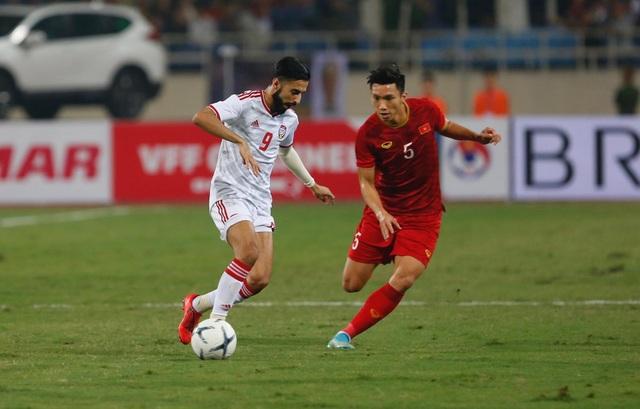 Việt Nam 1-0 UAE: Tiến Linh ghi bàn đẳng cấp - 17