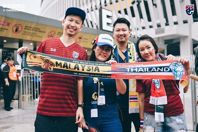 Malaysia 2-1 Thái Lan: Màn lội ngược dòng ngoạn mục - 4