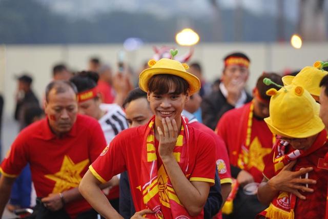Việt Nam 1-0 UAE: Tiến Linh ghi bàn đẳng cấp - 38