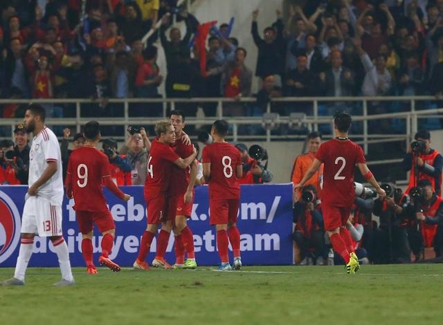 Việt Nam 1-0 UAE: Tiến Linh ghi bàn đẳng cấp - 1