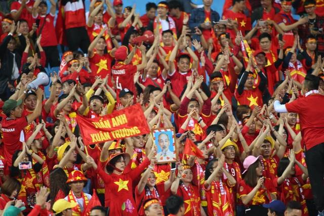 Việt Nam 1-0 UAE: Tiến Linh ghi bàn đẳng cấp - 32