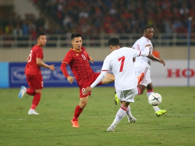 Việt Nam 1-0 UAE: Tiến Linh ghi bàn đẳng cấp - 24