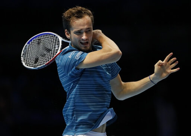 ATP Finals: Nadal ngược dòng ngoạn mục hạ gục Medvedev - 2