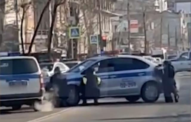 Nga: Nam sinh nổ súng bắn bạn cùng lớp, 2 người thiệt mạng - 1