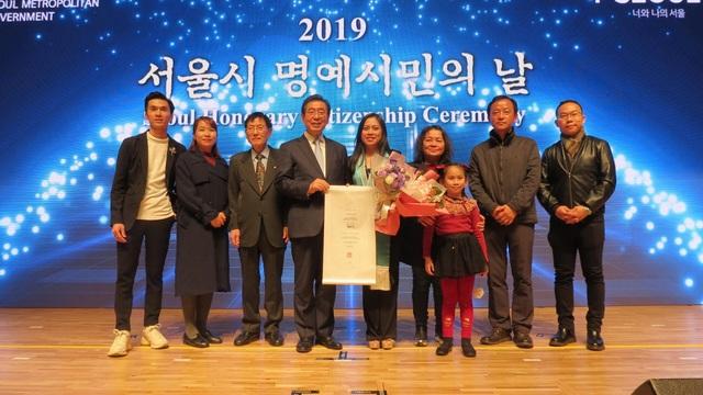 """Cô gái Việt Nam đầu tiên được vinh danh """"Công dân danh dự Seoul"""" - 4"""