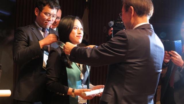 """Cô gái Việt Nam đầu tiên được vinh danh """"Công dân danh dự Seoul"""" - 1"""