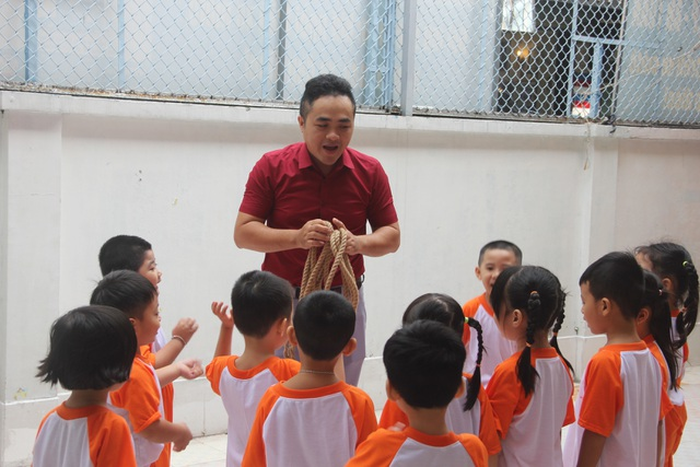 Thầy giáo 14 năm dạy trẻ mầm non giữa Sài Gòn - 1