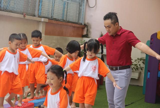 Thầy giáo 14 năm dạy trẻ mầm non giữa Sài Gòn - 3