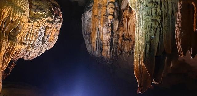 """Động Chà Lòi – """"mê cung dát vàng"""" trong lòng đất tại Quảng Bình - 10"""