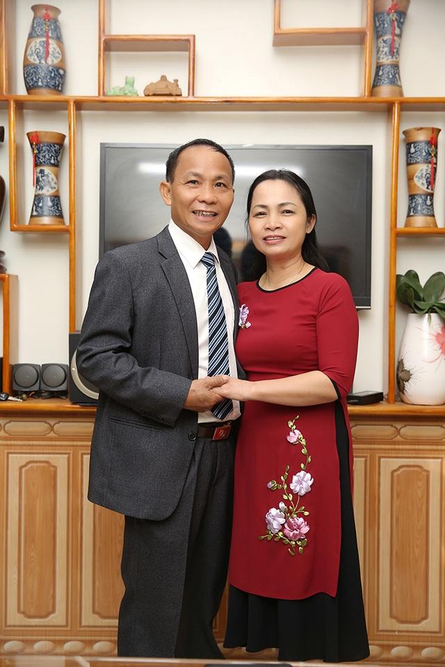 Ngày 20/11 nói về gia đình có 3 đời thành công trong giáo dục - 1