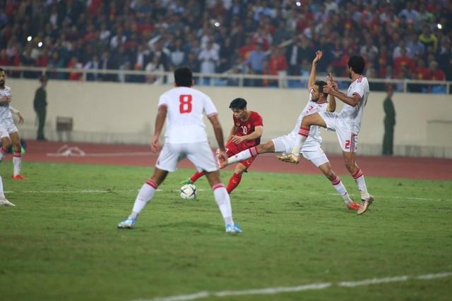 Việt Nam 1-0 UAE: Tiến Linh ghi bàn đẳng cấp - 3