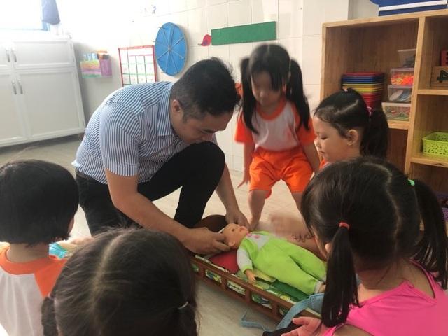 Thầy giáo 14 năm dạy trẻ mầm non giữa Sài Gòn - 2