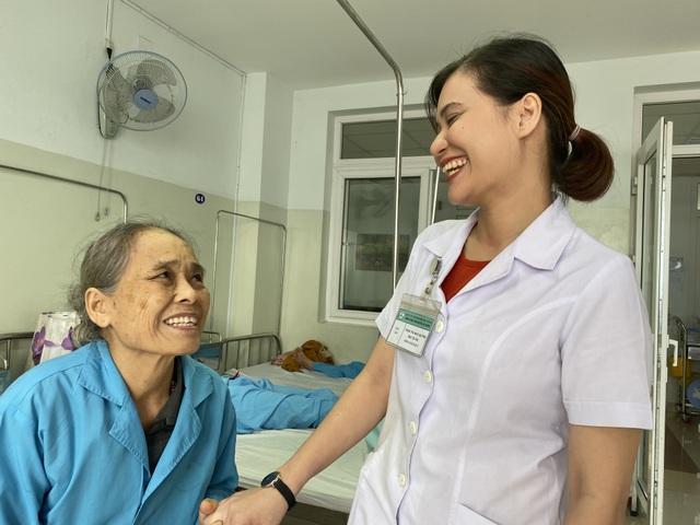 Nữ bác sĩ trẻ duy nhất của Châu Á được Hiệp hội ung thư phụ khoa quốc tế chọn đào tạo - 4