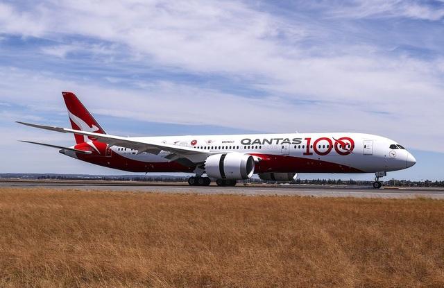 Hoàn thành chuyến bay dài và lâu nhất trong lịch sử hàng không thương mại - 1