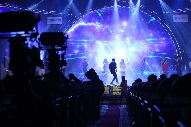 Sẵn sàng cho đêm trao giải Nhân tài Đất Việt 2019 - 12