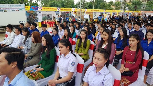 """Khai mạc chương trình """"Thắm tình hữu nghị đặc biệt Việt Nam - Lào"""" năm 2019 - 7"""