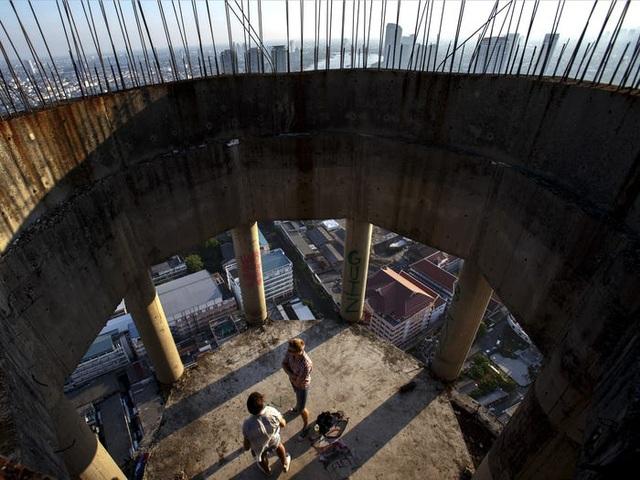 Bên trong tòa tháp ma bí ẩn bị bỏ hoang hàng chục năm - 6