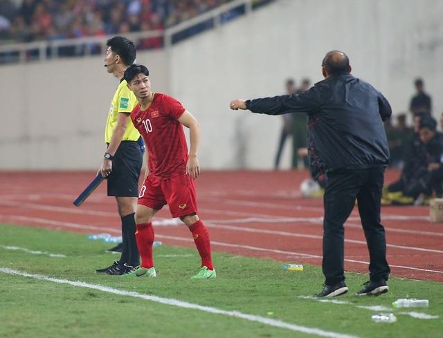 Công Phượng làm khổ hàng thủ đội tuyển UAE như thế nào? - 1