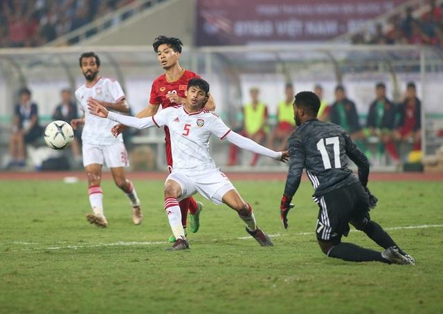 Công Phượng làm khổ hàng thủ đội tuyển UAE như thế nào? - 9
